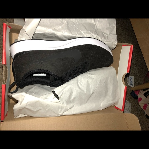 Nike dualtone Racer Women's Size 9.5